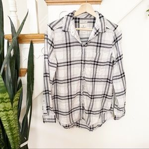 AEO white and white plaid pattern flannel shirt S